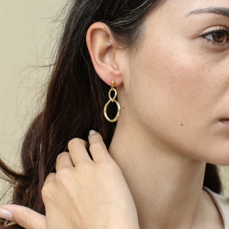 Women's jewellery, Gold Earrings, Handmade jewellery, London Jewellery, Design-led jewellery, abstract shapes, contemporqry design
