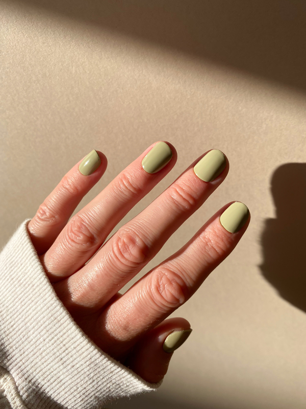 Cactus nail polish